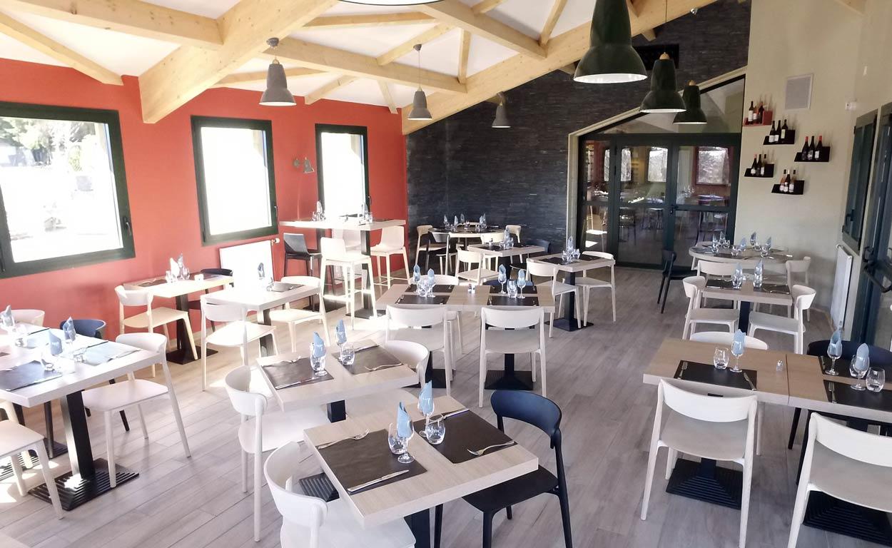 Archipel Volcans | Salle restaurant | Restaurant au coeur des volcans d'Auvergne